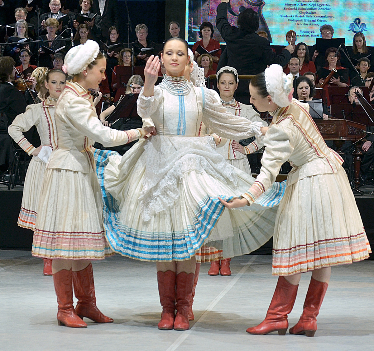 Nyerj az ismerősödnek jegyet a Napszédítők tánckoncertre!