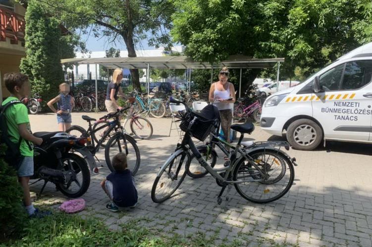 Négy napon át, öt szolnoki helyszínen regisztrálhatjuk biciklinket