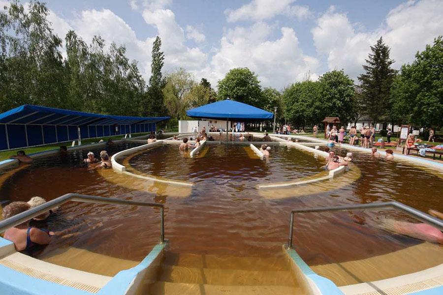 Két Jász-Nagykun-Szolnok megyei fürdő is bekerülhet az ország legjobbjai közé