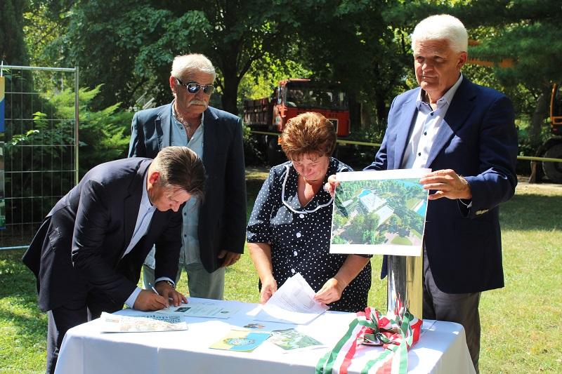 Elkezdődött a Tiszaligeti Strandfürdő felújítása
